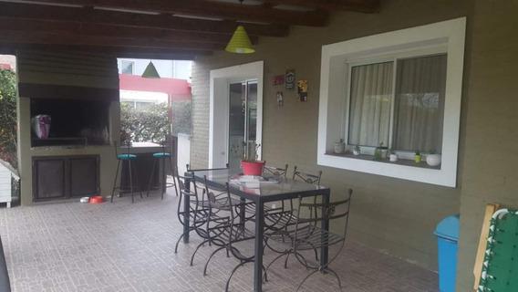 Casa 3 Dor. B° Cerrado Prados De La Villa - Villa Allende- Córdoba
