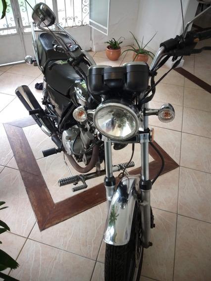 Moto Suzuki Intruder 125 Preta - M. 2016 - Comando Avançado