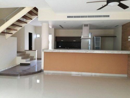 Casa Renta Res Palmaris By Cumbres 3 Rec 2.5 Baños 200 M²