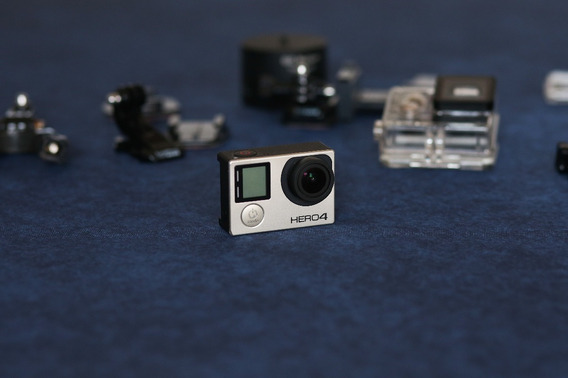 Câmera Gopro Hero 4 Black Completa + Case E Acessórios