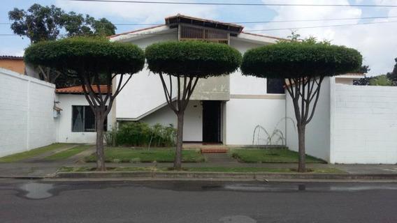 Venta De Casa En El Este De La Ciudad Flex 19-2024