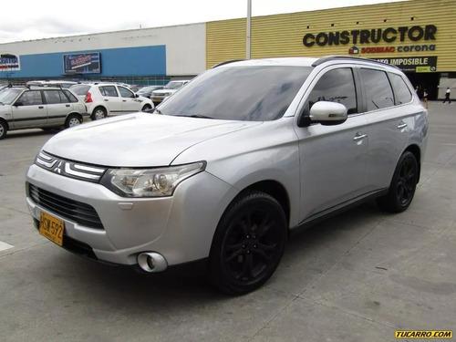 Mitsubishi Outlander  3.0 4x4 2014
