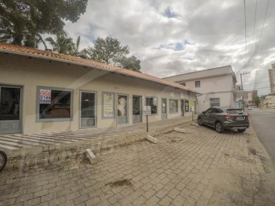Loja Térrea Com Aprox. 30m², No Bairro Velha, Contendo 01 Banheiro E Estacionamento Frontal. - 3578465