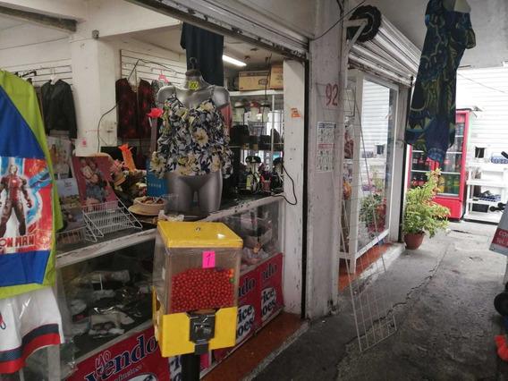 3 Locales En Mercado Con 8 Giros Mas Vitrinas Sin Mercancia