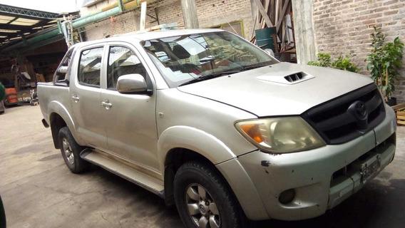 Vendo Toyota Hilux 2005