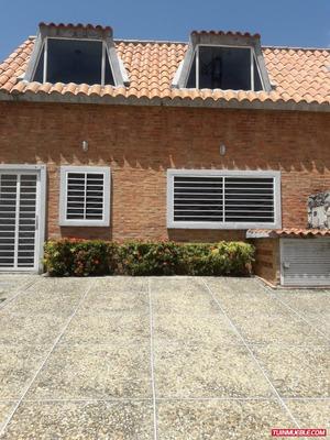 Townhouse En Venta - Bello Horizonte