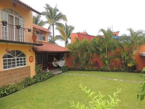 Venta De Casa Con Jardín En Las Brisas, Temixco, Morelosclave 1818