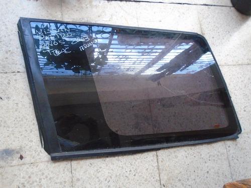 Vendo Vidrio Trasero Izquierdo  De Nissan Patrol, Año 2003