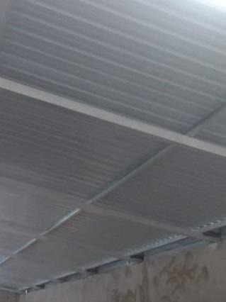 Imagem 1 de 5 de Fabricação De  Portões, Grades,toldos, Telhados E Coberturas