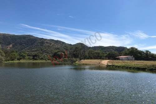 Se Vende Rancho En Villaflores Con Casa, Cuatro Cabañas Y Alberca