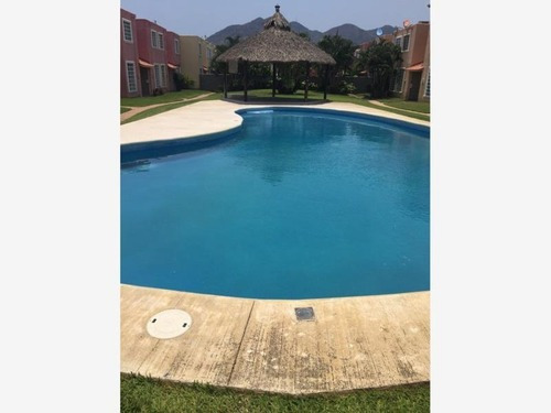 Casa Sola En Venta ¡¡aprovecha!! Bonita Casa Diamante En La Marquesa Acapulco