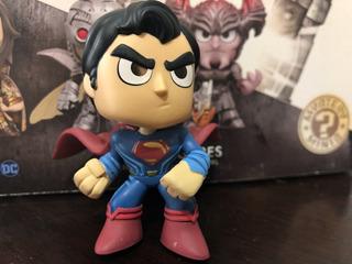Funko Mystery Minis Justice League Superman