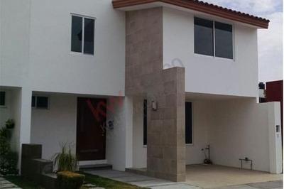 Casa Recién Remodelada En Venta