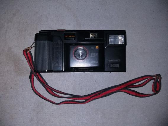 Câmera Analógica Automática Olympus.