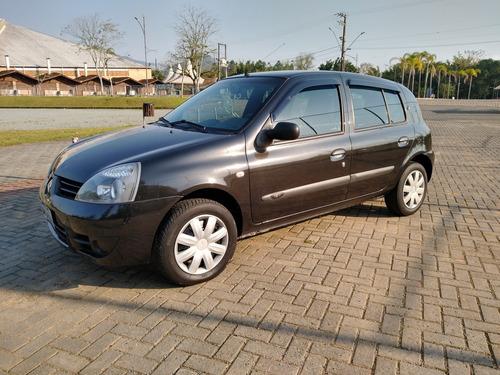 Imagem 1 de 8 de Renault Clio 2007 1.0 16v Expression Hi-flex 5p