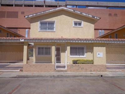 Casa En Venta Urbanismo San Homer De El Consejo W. B.