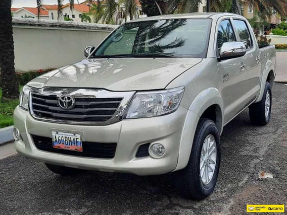 Toyota Hilux Kavak 4x4 - Automatica