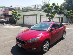 Ford Focus Luxury 2016 Standar