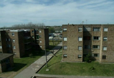 Alquiler De Apartamento En Tercer Piso Por Av.artigas La Paz