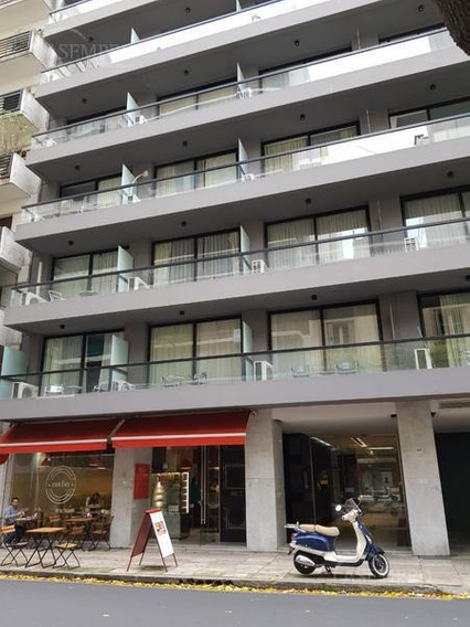 Cochera En Recoleta, Situada En Un Apart Hotel