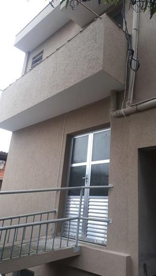 Sobrado- Jd. Clipper- 2 Dormitorios- 831loc - 831loc