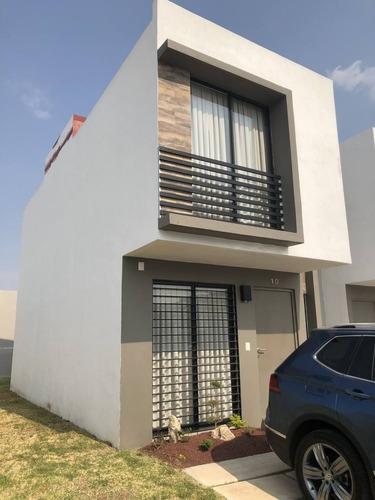 Casa En Renta Sendero De Los Robles, Altaterra