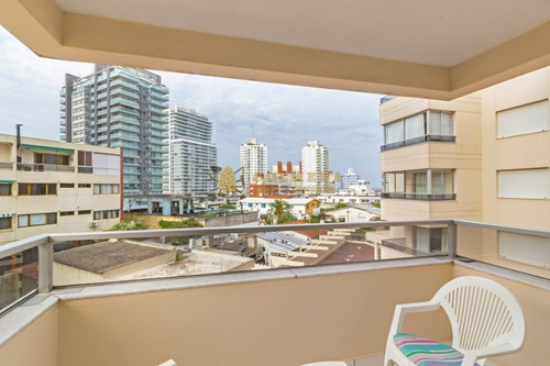 Apartamento En Venta A Pasos De La Playa - Ref: 4082