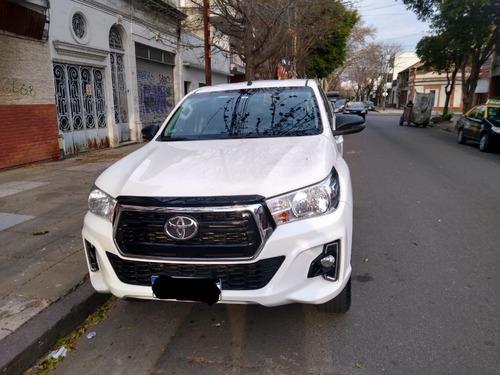 Imagen 1 de 8 de Toyota Hilux 4x4 Sr 2.8 Mod 2020