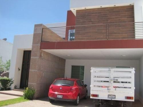 Casa Amueblada En Renta En El Refugio ***