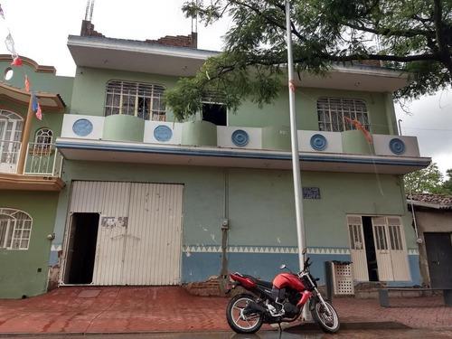 Local Y Departamento Calzada Martires Cristeros(calzada Amezcua), Sahuayo Michoacan
