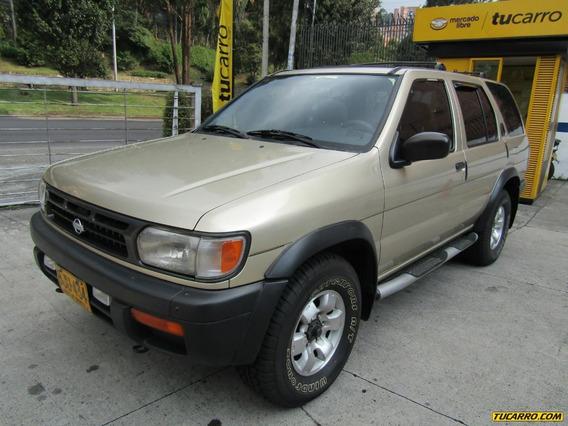 Nissan Pathfinder Lux Lujo