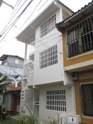 Se Vende Casa De Tres Pisos Rentando En Ciudadela Comfandi