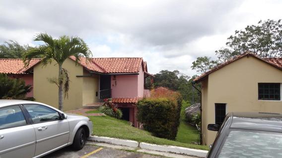 Townhouse En Venta 19-3560