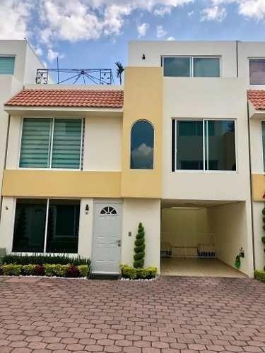 Hermosa Casa En Condominio Horizontal.