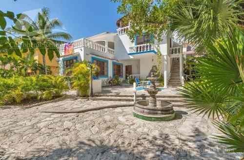 Casa En Venta En Playa Del Carmen /playacar/rivera Maya