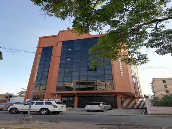 Oficina En Alquiler, Av. Luis Del Valle Garcia