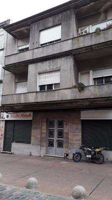 Ciudad Vieja 1 Dormitorio 2do X Escalera