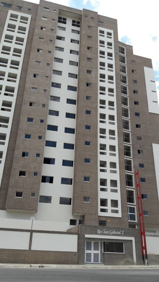 Venta Lujoso Apartamento En Base Aragua 04243725877