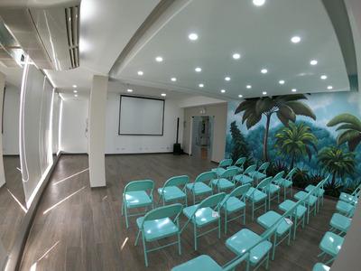 Sala De Capacitación, Surco.