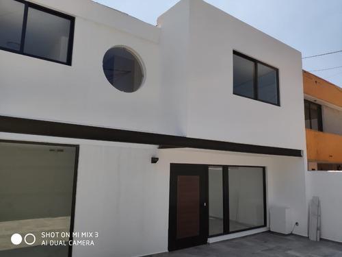 Estrene Preciosa Y Moderna Casa