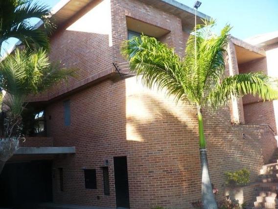Casas En Venta #19-8194 José M Rodríguez 0424-1026959.