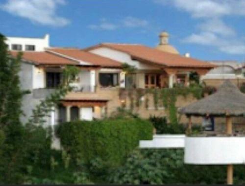 Casa En Fraccionamiento En Lomas De Atzingo / Cuernavaca - Est-1777-fr