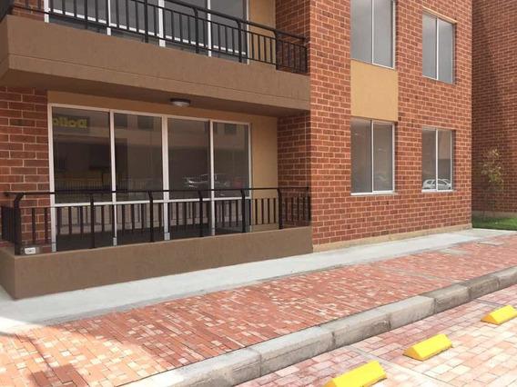 Apartamento 85 Mts Más Patio, Balcón Y Parqueadero