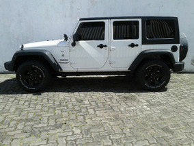 Jeep Wrangler 3.6 Unlimited Sport 4x4 V6 Gasolina 4p