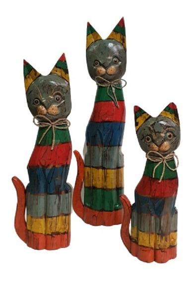 Familia De Gatos Multicolor Tallados A Mano En Madera