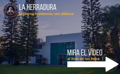 Moderna Residencia Con Alberca En La Herradura