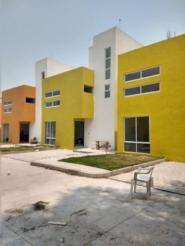 Casas Nuevas En Venta / A 10 Mins. De Texcoco