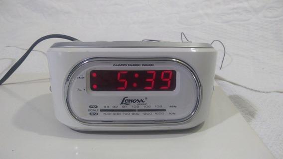 Rádio Relógio Com Sintonia Analógica Am/fm E Bivolt Branco