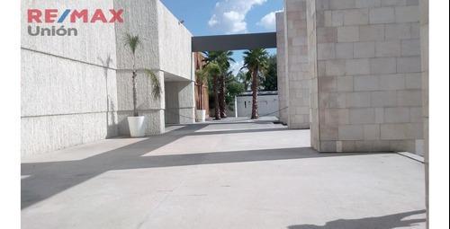 Renta Espacio Comercial En Plaza Vestir