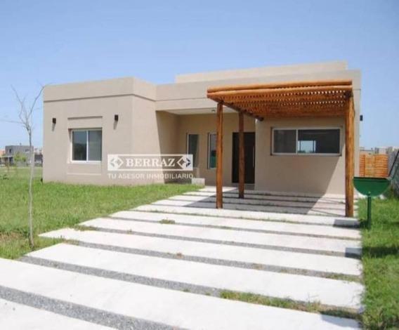 Casa En Venta 4 Ambientes En Pilar Del Este